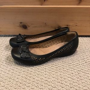 Clarks Collection Black Leather Flats